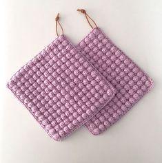 Transcendent Crochet a Solid Granny Square Ideas. Inconceivable Crochet a Solid Granny Square Ideas. Diy Crafts Crochet, Diy Crochet And Knitting, Crochet Home, Crochet Projects, Knitting Kits, Granny Square Crochet Pattern, Crochet Squares, Crochet Patterns, Crochet Laptop Case