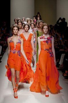 Bekijk op ADDICTEDTODIY mijn 5 favorieten voor #DIY #fashion inspiratie van shows uit Milaan voor  Spring Summer 2014 | Fashion Week Favoriet
