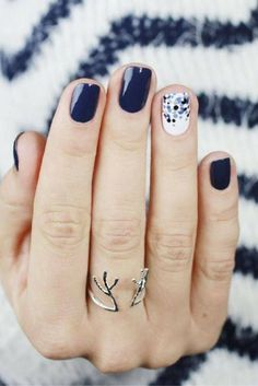 50+ Latest Winter Inspired Nail Art Ideas - EcstasyCoffee