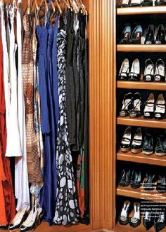 Desperate Housewives Actress Eva Longoria Gives Us A Peek Into Her Very Organized Closet http://www.organizingla.com/organizingla_blog/2008/03/desperate-house.html