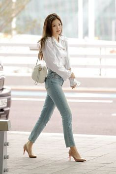 korean fashion Chic Outfit Ideas From Blackpink Airport Style Celebrity Fashion, Outfit Trends And Beauty Tips Celebrity Fashion Outfits, Blackpink Fashion, Asian Fashion, Celebrity Style, Fashion Ideas, Kpop Outfits, Korean Outfits, Chic Outfits, Inspired Outfits