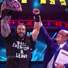 "2,354 Me gusta, 4 comentarios - Ꭺ Ꮓ Ꭼ Ꮓ 🖤 (@empirex_era) en Instagram: ""It's Roman Reigns Era 🖤🤙🏻 . [2020, 8, 31] . _ _ _ _ _ Follow ( @empirex_era ) For More 🖤 _…"" Best Wwe Wrestlers, Roman Regins, Wwe Roman Reigns, Champion, Husband, Celebrity, Guys, Concert, Table"