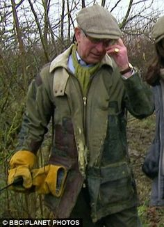 Prince Charles's patchy gardening jacket, complete with holes and tears, as seen on BBC's Countryfile over the weekend. Countryside Fashion, Country Fashion, British Country Style, Tattersall Shirt, Tweed Run, Prince Charles And Camilla, Barbour Jacket, Wax Jackets, Mens Fashion Suits