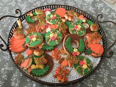 Biscuits décorés thème automne Homemade Cakes, Sugar, Cookies, Desserts, Food, Autumn Theme, Decorated Sugar Cookies, Crack Crackers, Tailgate Desserts