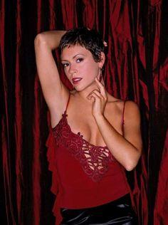 Alyssa Milano Hair, Alyssa Milano Charmed, Serie Charmed, Charmed Tv Show, Holly Marie Combs, Celebrity Short Hair, Celebrity Photos, Shannen Doherty