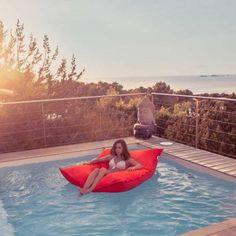 Pouf piscine rouge géant - Pouf JumboBag en vente sur Pouf Design
