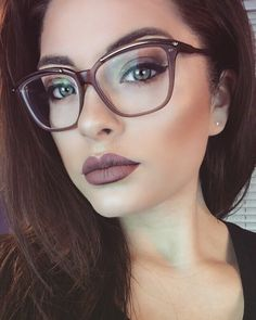 Large Frames look great with bold make up <3 #Eyewear #Style #MakeUp