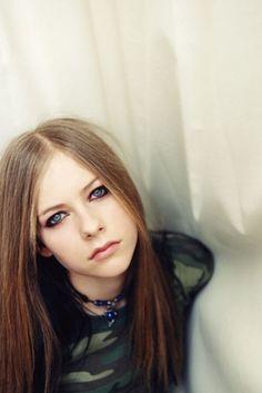 """Eu Não Me Importo Se Você Me Ama Se Você Me Odeia Eu Sempre Vou Ser A Mesma ❤ """"Avril Lavigne"""""""