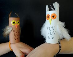 These simple wrist owls are a must for any witch or wizard! These simple wrist owls are a must for any witch or wizard! Owl Crafts, Animal Crafts, Crafts To Do, Preschool Crafts, Easter Crafts, Crafts For Kids, Arts And Crafts, Paper Towel Crafts, Toilet Paper Roll Crafts