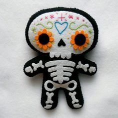 "All Souls Day, Day of the Dead are celebrated with art and craft activities. View these Crafts and Activities for All SOULS DAY ""Day of the Dead"". Felt Crafts, Diy And Crafts, Crafts For Kids, Arts And Crafts, Adornos Halloween, Halloween Crafts, Halloween Party, Felt Skull, Sewing Crafts"