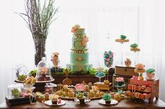 mounia-eloukkal-art sucré | Marie Antoinette enchanted wedding inspiration dessert table wedding cake