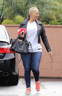 Simply stylish: Amber Rose spent time with some pals in Tarzana, California on Monday