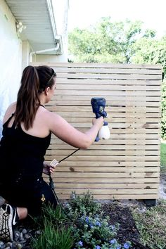 How to quickly stain an outdoor project using a Super Finish Max Paint Sprayer. Storage Tubs, Can Storage, Storage Area, Ac Unit Cover, Ac Cover, Diy Fence, Fence Landscaping, Hide Ac Units, Fast Setting Concrete