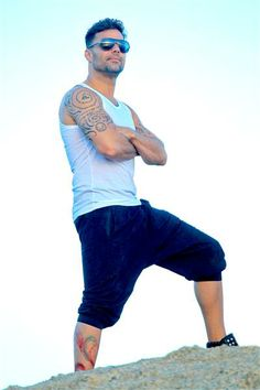 Ricky Martin - See more: http://wonderwall.msn.com/movies/gossip-romance-report-for-may-19-29127.gallery?photoId=137092#!wallState=4__%2Fmusic%2Fricky-martin-i-wish-i-could-come-out-again-1814622.story