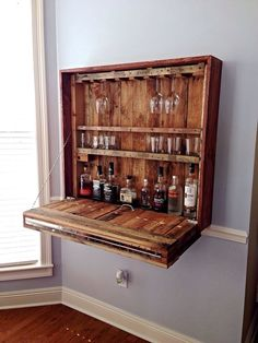 Pallet Projects Matt has done it again! It's a must build! - Looking for cool pallet furniture projects? Bar Pallet, Palet Bar, Pallet Wine, Pallet Sofa, Pallet Furniture Bar Table, Corner Bar Furniture, Pallet Benches, Pallet Tables, Outdoor Pallet