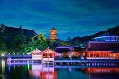 厳島神社(広島)11月の夜景