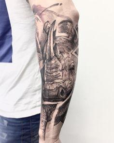 """434 curtidas, 3 comentários - Lincoln Marques (@lincoln_tattoo) no Instagram: """"A força vem da junção das dificuldades #rinoceronte #rino #tattooink #inkstinctofficial #tattoo2us…"""""""