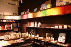 【紙とデザインの書斎mukku】大阪・堺筋本町 紙にこだわる紙モノ雑貨や紙製品を販売。