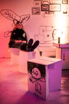 Stange Design Pappmöbel - Happy Fashion Week Party 2015 - CROMATICS - Generator Hostels #happyfw #pappmoebel