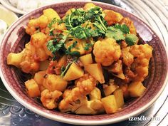 Aloo Gobi Matar (आलू गोबी मट्टर ), is an easy fix side dish, made with potatoes, cauliflower and green peas and is suitable for rotis. Aloo Gobi, Green Peas, Gravy, Mozzarella, Potato Salad, Cauliflower, Side Dishes, Curry, Paleo