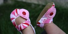 DIY Baby Rosette Mary Janes. I`m obsessed, they are too cute!