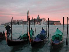 Venice, Italy - Travel Guide and Travel Info | Tourist Destinations