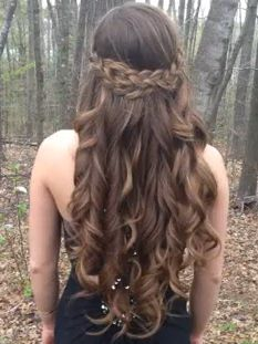 Long curls and a braid. Too pretty!