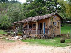 aqui mora a felicidade,,,,,,vc quer uma assim???? Village House Design, Village Houses, Small Buildings, Forest House, Indian Home Decor, Tropical Houses, Little Houses, Home Decor Bedroom, Farm Life