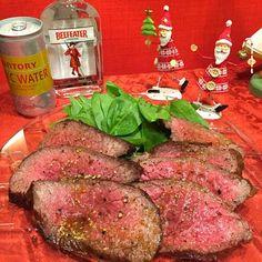 ビーフィーター、いただきました  なかなか、牛肉料理が作れず、数日たっちゃいました  ジントニックで、いただきま〜〜す - 239件のもぐもぐ - ローストビーフ by Mina0602