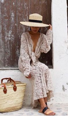 Great outfit for long strolls on the beach.