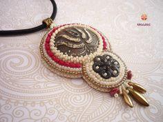 Örök Nő hímzett medál Crochet Earrings, Christmas Ornaments, Detail, Holiday Decor, Jewelry, Xmas Ornaments, Jewellery Making, Jewels, Christmas Jewelry