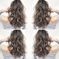 ・ 世界に通用する日本一のバレイヤージュカラーを提供します💥 ・ 6日、7日はまだまだ沢山、ご予約お受けできます🔥🔥🔥 ・ ホットペッパー予約が埋まっててもご予約お受けできますので気になる方はLINEかTELからご連絡お待ちしております✨✨ ・… Perm On Medium Hair, Permed Hair Medium Length, Medium Asian Hair, Medium Hair Styles, Curly Hair Styles, Haircuts For Wavy Hair, Permed Hairstyles, Curls For Long Hair, Long Curly Hair