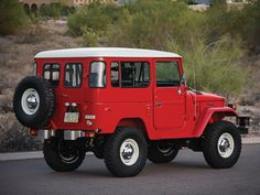 Red is a favorite color.  Too clean though - fine example nonetheless 1978 Toyota Land Cruiser FJ40