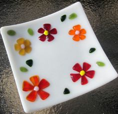 Fused Glass Plate Fused Glass Ring Holder Fused Glass Soap Dish Red Orange and Amber Flowers on White - Ring Holder - Ideas of Ring Holder - Fused Glass Plate Red Orange and Amber Flowers on White Fused Glass Plates, Fused Glass Art, Glass Dishes, Mosaic Glass, Stained Glass, Glass Birds, Glass Flowers, Glass Fusion Ideas, Wine Bottle Candles