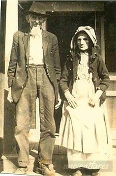 Civil War veteran John A. White with his wife Susan Catherine Davenport in their older years. John died in 1933 at the age of 97.