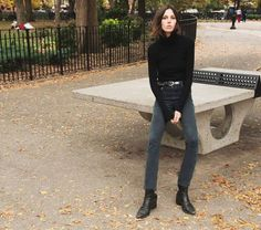 2 Simple Ways to Style Vintage High Waisted Jeans