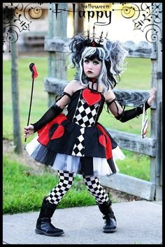 Find images and videos about cute, Halloween and little girl on We Heart It - the app to get lost in what you love. Scary Halloween Costumes, Cool Costumes, Dance Costumes, Halloween Party, Costume Ideas, Wonderland Costumes, Alice In Wonderland Tea Party, Queen Of Hearts Costume, Coloured Girls