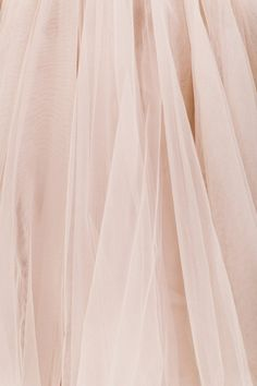 I just need all of the tulle in this color! I just ordered a nude pink tulle skirt to wear to my sister's wedding! My first tutu, finally! I am going to wear it with nude pumps and clutch and a white lace top. I'm so excited! Rose Bonbon, Estilo Grunge, Goddess Of Love, Princess Aesthetic, Pink Tulle, Pink Lace, Tulle Fabric, Pink Fabric, Chiffon Fabric