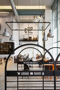 Modern industrial style in this trendy and colourful Paris airport restaurant - Home & Decor Singapore Airport Restaurants, Paris Airport, Modern Industrial, Design Agency, Flooring, Interior Design, Studio, Gallery, Hospitality