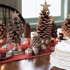Traditional Collection Vintage Christmas idea: Astonishing Rustic Christmas Table Setting Pine Cones In Small Pots With Gold Star Top Red Table Cloth Votive Candles Small Silver Balls Decoration Pine Cone Christmas Tree, Noel Christmas, Country Christmas, Simple Christmas, Xmas Trees, Modern Christmas, Christmas Crafts, Beautiful Christmas, Homemade Christmas