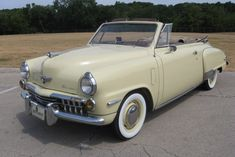 1948 Studebaker Convertible - My list of the best classic cars Lamborghini Aventador, Ferrari, Lowrider, Cadillac, Bugatti, Vintage Cars, Antique Cars, Vintage Ideas, Convertible