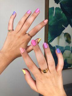Ongles Rose Pastel, Pastel Pink Nails, Purple Nails, Bright Nail Polish, Bright Nails, Nail Polish Colors, Nail Polish Crafts, Nail Polish Art, Gel Nails