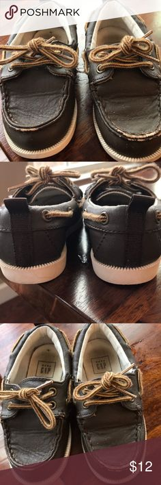 (BABYGAP) toddler boy shoes size 8 Great condition and cute for every occasion.  There is some scuffing on the front of the shoes and discoloration inside the shoes, as shown in the photos.  But otherwise these shoes are in great shape and come from a smoke free home. GAP Shoes