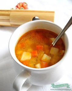 Este zi de Post si nu stii ce sa gatesti? Bucataresele Vesele iti prezinta o Supa de legume usor si rapid de pregatit, pe gustul si buzunarul tau !