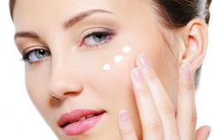How to Get Pale Skin? Natural Ways to Get Pale Skin Overnight. Home Remedies For Pale Skin. Treatment to Get Pale Skin Fast. Get Clear Skin Makeup Up, Bio Cosmetics, Vitiligo Treatment, Creme Anti Age, Face Care Routine, Facial, Liquid Highlighter, Aging Process, Pale Skin