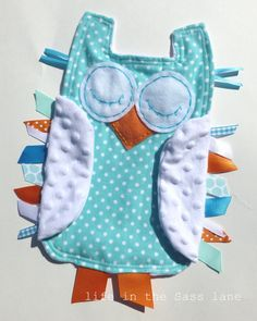 I love me some hooties! : )  Turquoise and Orange OWL in Polka Dots Flannel and Minky Ribbon Tag Blankie