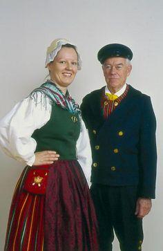 Kyrkslätt Kyrkslätt, Nyland Folkdräkter - Dräktbyrå - Brage Folk Costume, Costumes, Frozen Costume, Traditional Dresses, Folk Clothing, Folklore, How To Wear, Clothes, Women