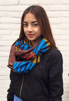 This particular infinity shawl is full of Adinkra symbolism from Ghana through the label Nsoromma the shawl carries and symbolizes guardianship. Are you looking for a unique shawl? Then this is thé shawl for you, but also suitable as a present for a friend.
