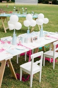 simple wedding table decor for kids / http://www.deerpearlflowers.com/creative-wedding-ideas-for-kids/