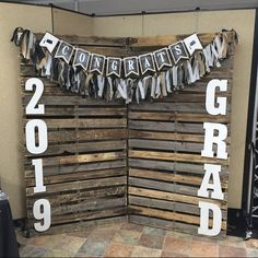 55 Creative Graduation Party Decoration Ideas You Will Like - Page 55 of 55 - Chic Hostess Outdoor Graduation Parties, Graduation Food, Graduation Party Planning, College Graduation Parties, Graduation Party Decor, Grad Parties, Graduation Table Ideas, Graduation Party Centerpieces, Graduation Picture Boards